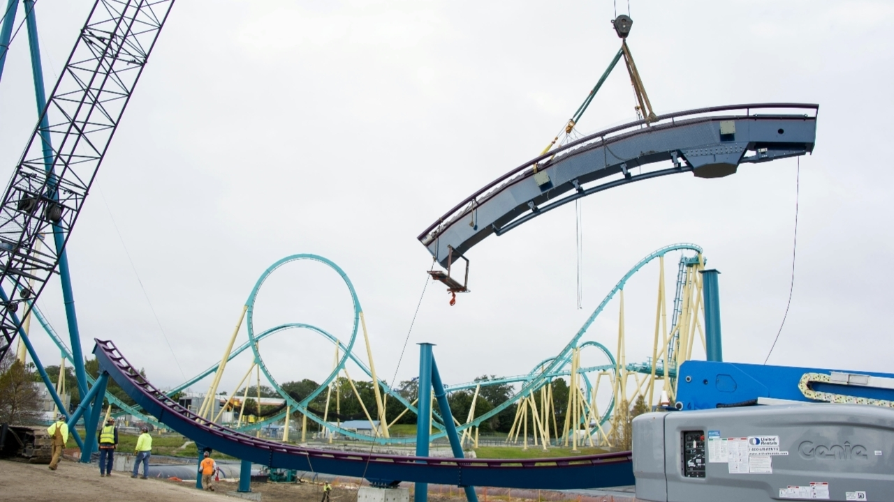 Incidents At Seaworld Parks: SeaWorld Installs Tallest Point Of New 'Mako' Coaster