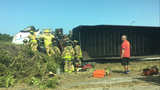 Tractor-trailer overturns on I-95 in Melbourne, blocking NB lane