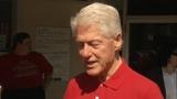 Video: Man tells Bill Clinton that he doesn't like Hillary
