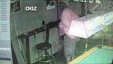 Man shoves stolen purse down pants, police say