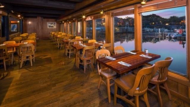 captain-jack-restaurant-00
