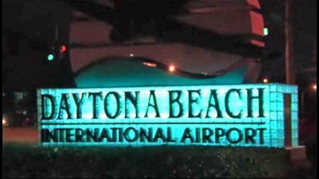 Man runs onto Daytona airport taxiway, deputies say