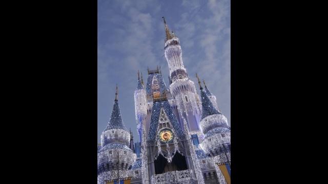 ice castle_23358740