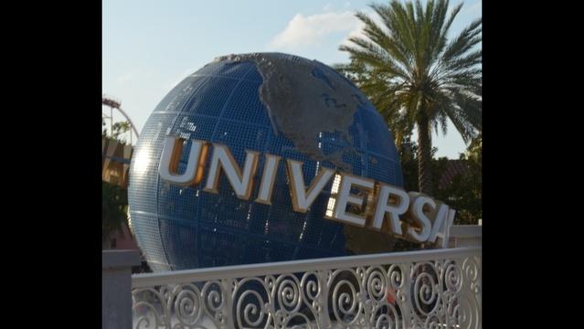 universal globe_18567054
