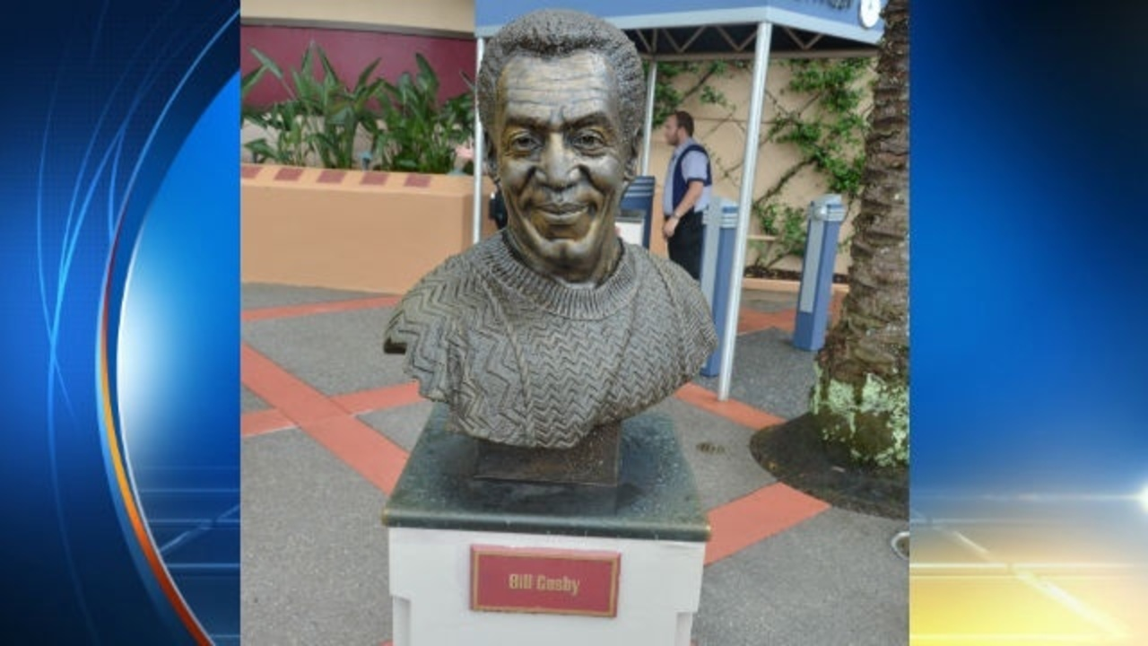 Disney Fjerner Bill Cosby Statue At Hollywood Studios-2256