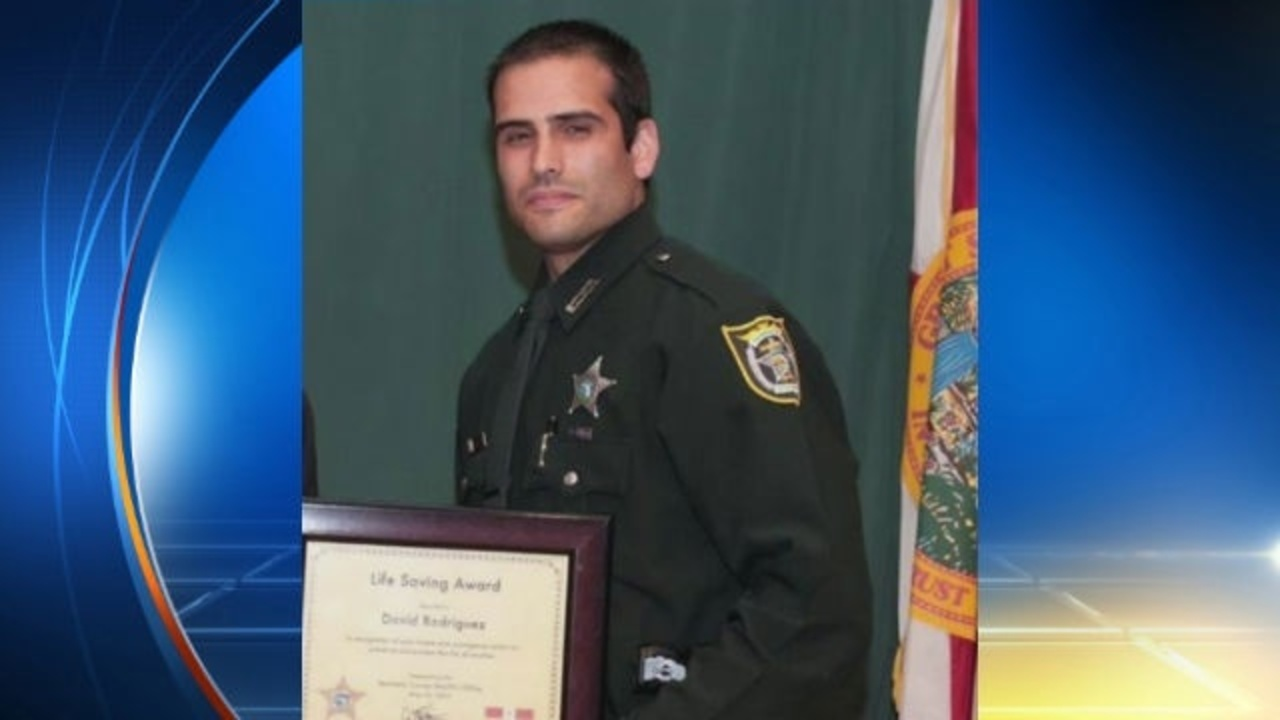 Seminole County deputy arrested after soliciting teen for