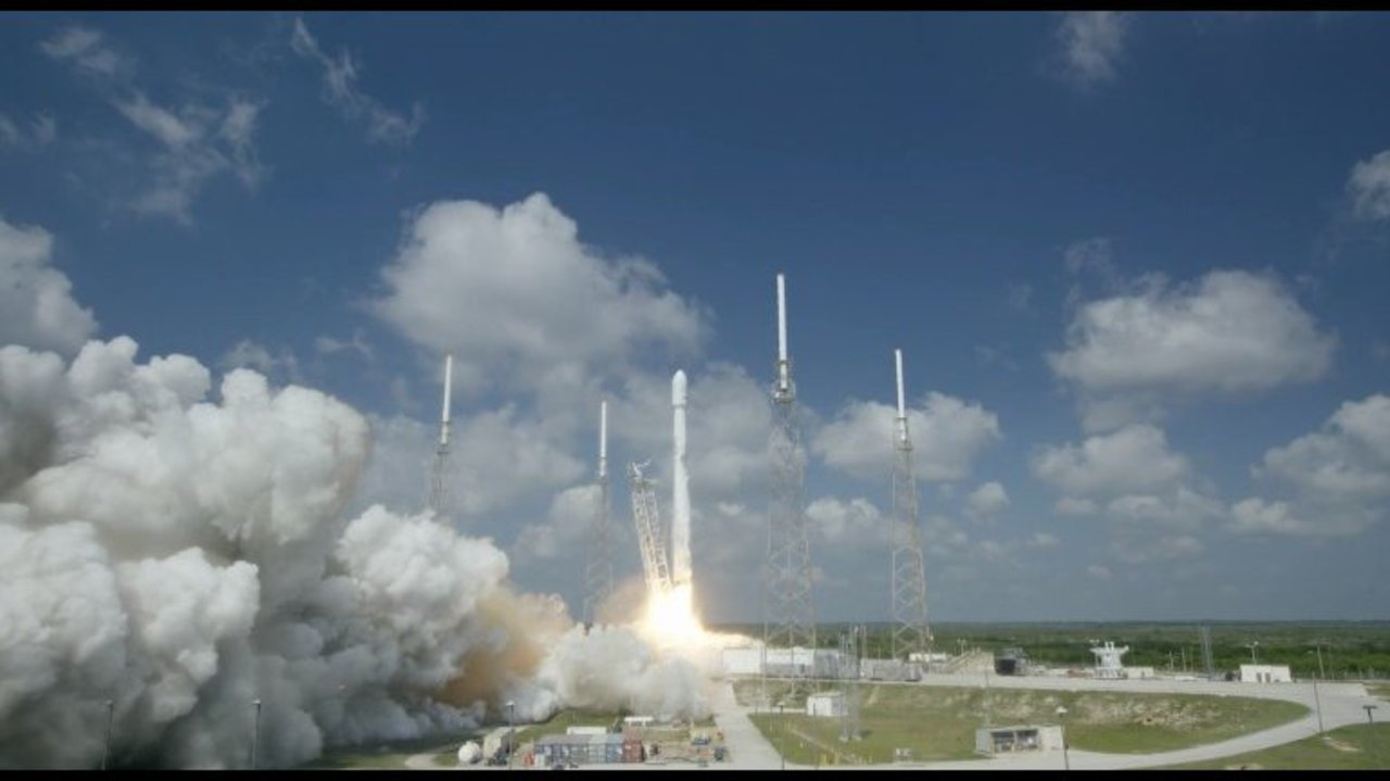 space vehicle falcon 9 - photo #47