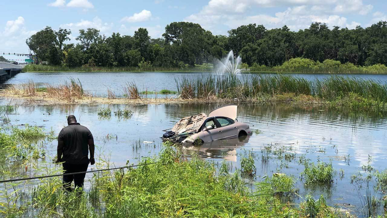 Orlando Car Crashes Into House