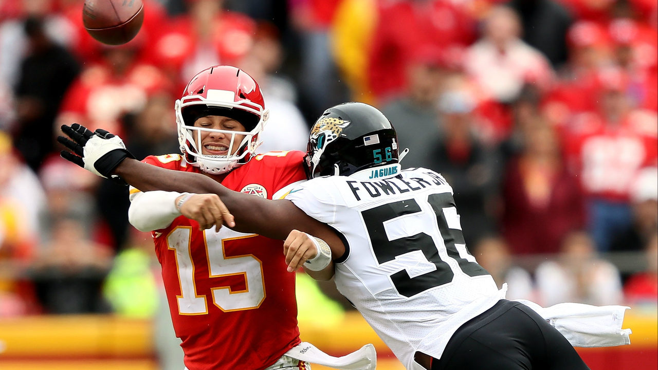Jags%20v%20Chiefs%20100718_1538946073804.jpg_12771445_ver1.0_1280_720 Chiefs get pick-6, march all over Jags in soggy 30-14 romp
