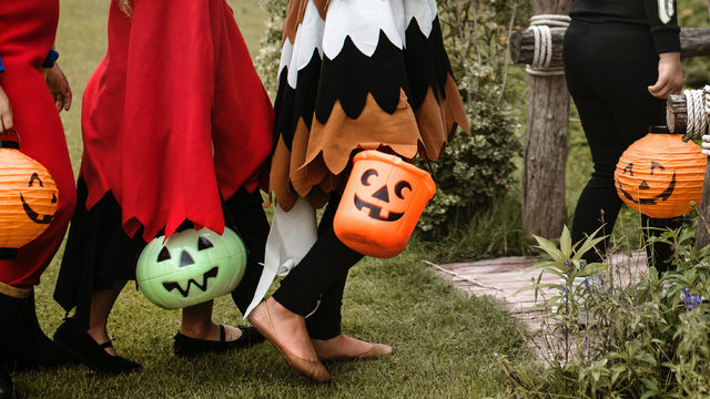 Michigan elementary school drops ban on Halloween costumes after outcry…