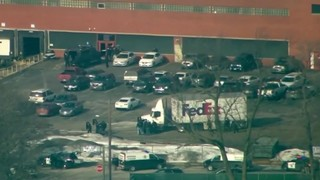 5 dead, 5 officers injured in suburban Chicago shooting, police chief says