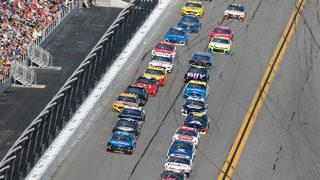 18 cars taken out in major wreck at Daytona 500