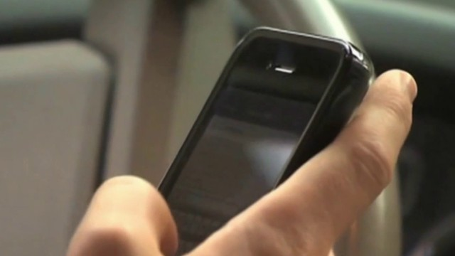 Florida Senate committee approves distracted driving bill