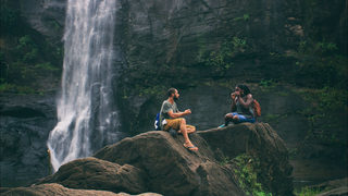 Company looks for 2 strangers to travel the world together