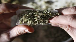 Gov. DeSantis signs bill to allow smokable medical marijuana