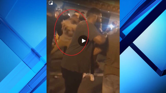 Former Jaguars WR Mike Sims-Walker accused of sucker punching man in…