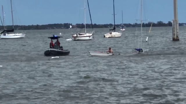 Couple left homeless after sailboat sinks in Cocoa, officials say
