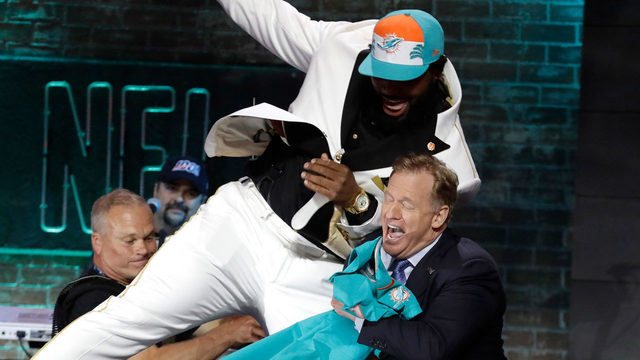 Miami Dolphins draft Clemson defensive tackle Christian Wilkins