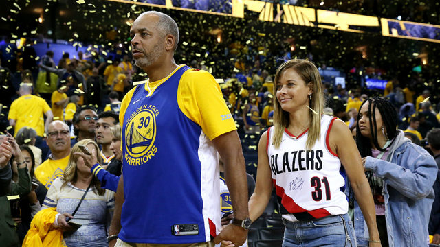 Who's your Curry? Parents of Steph, Seth get creative in support of NBA sons