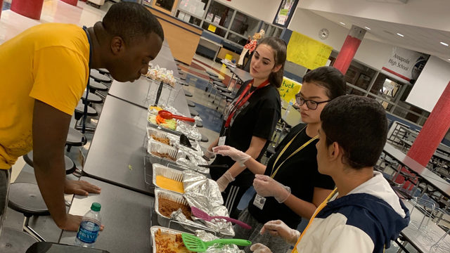 Simple but genius: Program turns leftover school lunch into a buffet for…