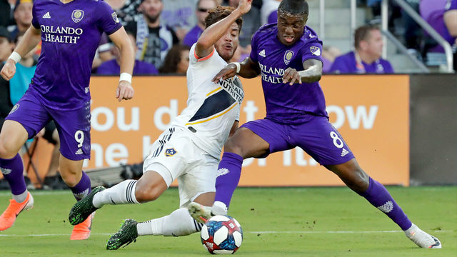 Orlando City can't convert on penalty kick&#x3b; Galaxy defeat Lions 1-0