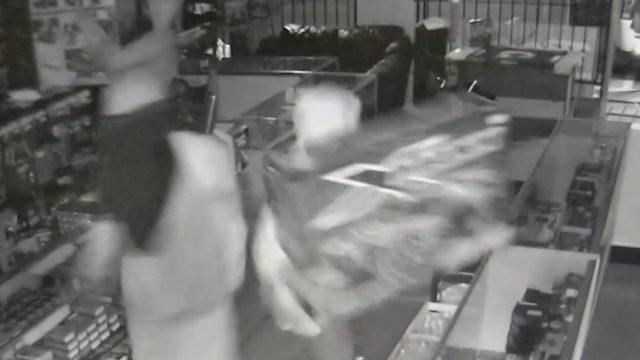 Burglars break into Altamonte Springs hobby store