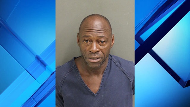 Man accused of trying to steal woman's purse at restaurant in Winter Park