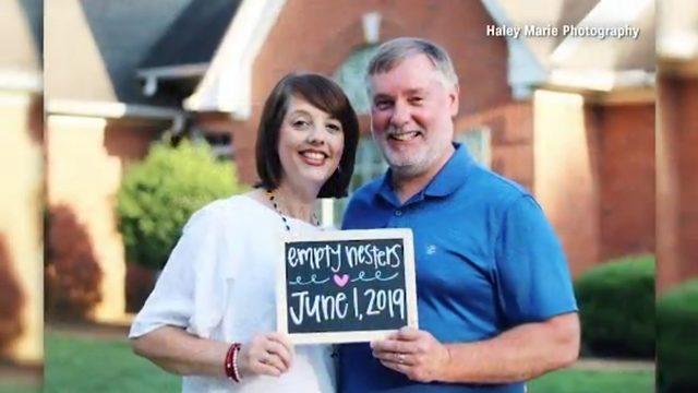 Parents' empty nest photo shoot goes viral