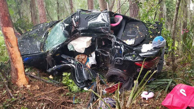 Driver airlifted to hospital after crash off State Road 44 in DeLand