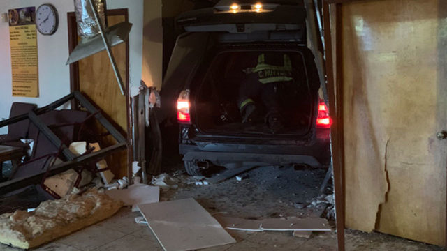 SUV crashes into Orlando worship center