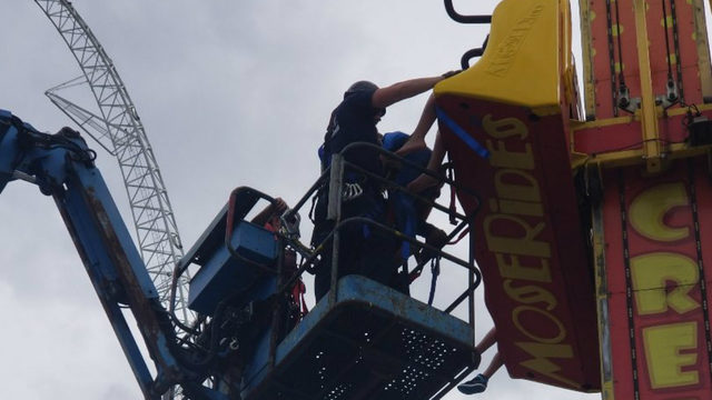 7 rescued from ride at Fun Spot