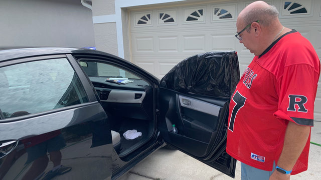 At least 12 cars burglarized in Orange County community, neighbors say