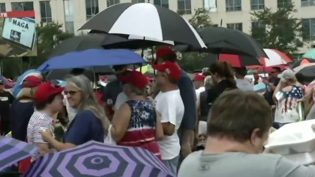Large crowds gather ahead of Trump rally in Orlando