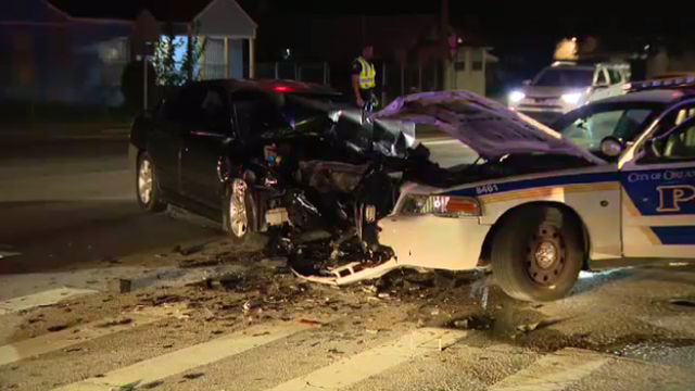 Man suffers minor injuries in crash with Orlando patrol car, troopers say