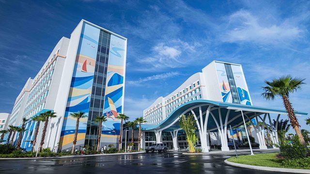 Universal's Endless Summer Resort opens