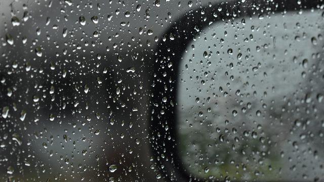 Heavy rain showers help keep temperatures tolerable