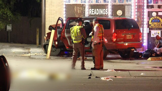 2 pedestrians killed, 5 others hurt in separate crashes
