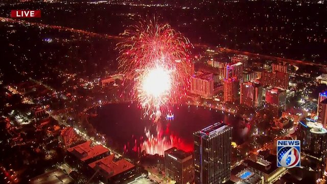 WATCH REPLAY: Fireworks at the Fountain