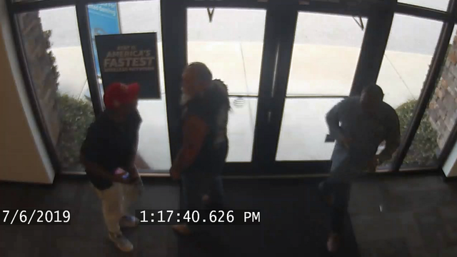 Video: Customer puts culprit in bear hug during AT&T larceny, deputies say