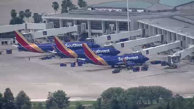 Plane hit by lightning lands at Orlando airport