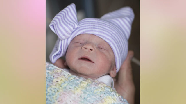 With deceased donor's uterus, woman gives birth to healthy baby