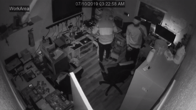Smash-and-grab burglars steal thousands from Cocoa electronics repair store