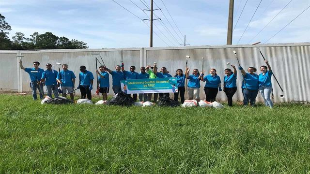 Volunteers cleanup graffiti to help keep Orlando beautiful