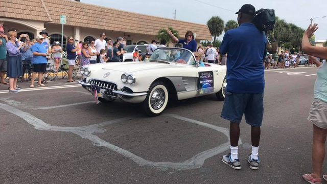 Thousands gather to celebrate astronauts in parade ahead of Apollo 11…