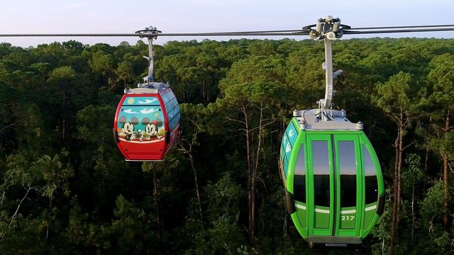 Disney gondolas reopen to guests after stranding passengers