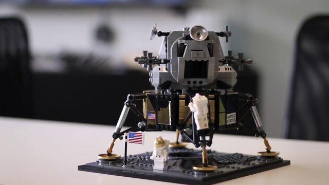 Timelapse: News 6 builds Apollo 11 LEGO