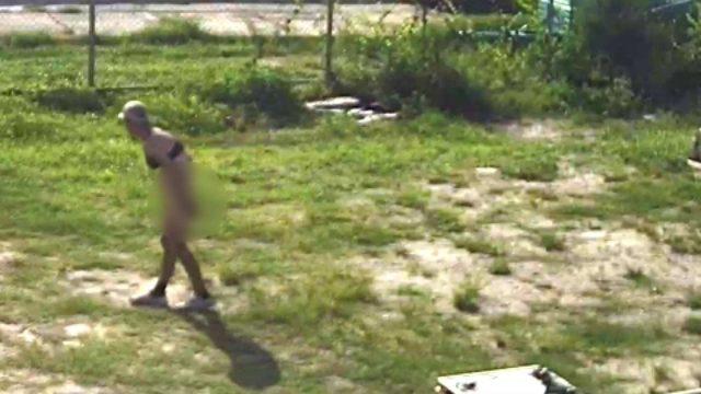 Video: Naked man burglarizes vehicles