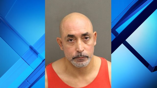 Man stabbed during fight with neighbor in Orlando, police say