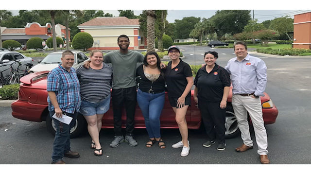 Deltona community comes together to donate car to pizza shop employee