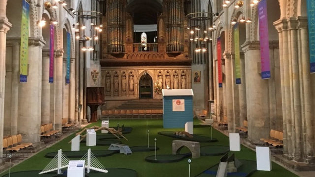 Fairway to heaven: UK church builds mini-golf course in nave